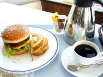 ルームサービス(葉山牛100%ハンバーガー)