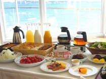 海が見えるレストランでご朝食は如何ですか
