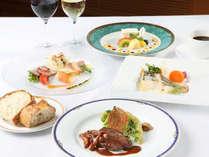 お肉とお魚が両方楽しめる人気のディナーコース(イメージ)