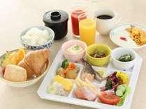 【朝食付】料理長お任せ朝食付き★釜炊きご飯やバイキング等、メニューはお任せ!