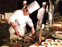 目の前で焼き上げるステーキ※画像はイメージです
