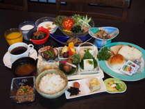 スタッフが毎朝手作りの朝食バイキングが人気です。是非、福島の味をご堪能下さい。