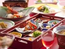 【お盆◆和食会席膳】~お盆はみんなで温泉♪夕食は広間で旬の会席膳☆[夕食-大広間]