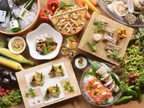 【夕食バイキング/夏の献立】実演天ぷらや勝手丼など、選べる楽しみもバイキングの醍醐味