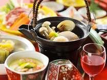 【夕食/和食会席膳】和の調理人が丁寧に仕上げた和食膳を堪能出来る