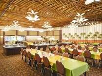 【4F レストラン・華宴】昭和レトロな落ち着いた空間で食す、DO マルシェバイキング