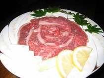 おすすめ! 囲炉裏でお夕食☆牛肉も食べよう