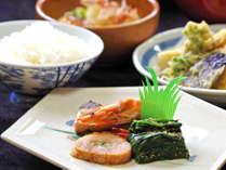 *【夕食/和定食】日替わりの和定食です。料理屋ですから味には自信が!!ボリュームも◎