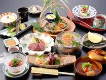ご夕食一例。地元の「高原野菜」を中心に、四季折々のお料理をご用意いたします。
