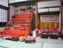 *【雛人形】伝統的なお雛様を飾っております。