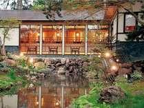 茶寮 花音(かのん)朝食会場からの外庭風景