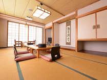 【料理8品】これでも満足♪(日本海が面前のお部屋、広々12畳)