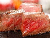 鳥取県産牛の石焼き。やわらかくて大人気♪