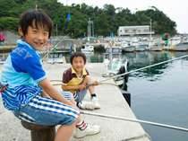宿前の堤防釣り 「ぼくたちでも 簡単に楽しめるよ!」