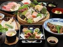 ◆1泊2食◆お造り自慢!海鮮桶盛り&牛陶板会席付プラン