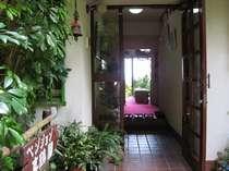 ペンション棟玄関