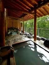◆ひのきの露天風呂(浴槽手前)
