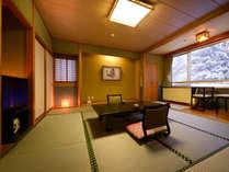 和洋室の和室10畳のお部屋