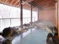【露天風呂】雪景色を眺めながらの「雪見風呂」