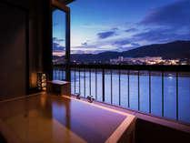 """""""開放感""""ある【大きな窓】から筑後川を臨む~かけ流しの湯を""""贅沢""""に『独り占め』~"""