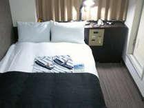 セミダブル(広さ16.5平米/ベッド幅110cm)