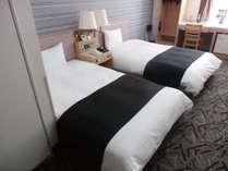 ツイン(広さ25平米/ベッド幅110cm)