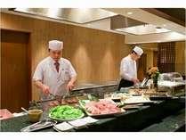 お食事処『山里』オープンキッチン※出来立て熱々の天ぷら・ステーキをご賞味下さい♪