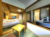 須雲川の渓谷を望む絶景の露天風呂付き客室
