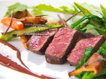 スタンダードプランのメインは旨味があふれる豊後牛ステーキ