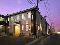 石巻バイパス沿い街中に立地♪周りには飲食店やコンビニもあり、ご滞在に便利♪
