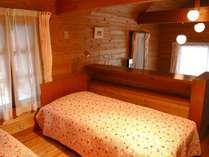 自然に囲まれたプライベート空間。※部屋タイプはベッドタイプとふとんタイプの2つございます。
