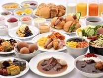 自慢の朝食がバリューアップ!人気の朝カレーに続き『朝からステーキ』リリース!定番メニューも健在!
