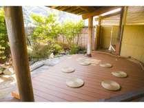 《ご縁の杜テラス(屋上)》風を感じたり、瞑想をしたり、思い思いにご利用いただけるフリースペースです