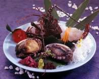 新鮮な伊勢海老と鮑料理 一例