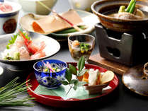金沢老舗の調味料を使って、元湯石屋の料理人が腕をふるう石屋会席料理