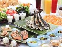 和洋からなる朝食バイキングも人気♪