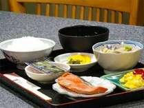 朝食は和食をご用意致します。