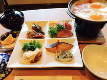 ご朝食は、和定食!宮崎産ひのひかり米や陶板目玉焼き!ソフトドリンク付き!