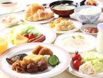 【朝食バイキング】和食での飯&お味噌汁を食べる?ちょっと洋風にパン&サラダを選んでみちゃう?