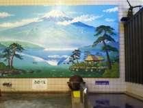 銭湯の壁にペンキ絵