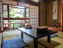 ☆客室例☆和室6~8畳☆昔ながらの静かな旅籠風の和室。ごゆっくりとお寛ぎ頂けます。