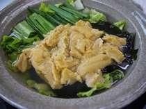 雲丹鍋は奥尻で古くから食べられる伝統料理 写真は2人前