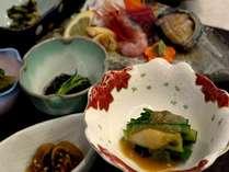 お夕食一例。奥尻島の旬をお楽しみください。
