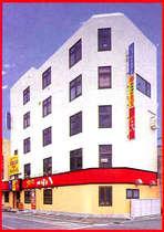 マックスビル 1階つぼ八・2,3,4階カラオケ・5階カプセルホテル(2階フロント)