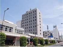 ホテル外観(10号線側より)