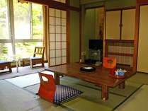 8畳の和室(一例)カップルやご夫婦におすすめの8畳の和室は4名様までご宿泊いただけます
