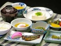 ある日の朝食!朝から温泉を楽しんだ後は、心なごむ和朝食をご用意♪