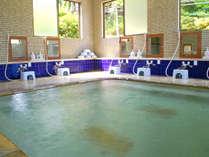 名湯として古くから親しまれている湯の花温泉。
