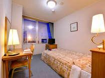 *シングル(客室一例)/一人旅・ビジネスにオススメ!快適なお部屋でのんびりとお過ごし下さい。