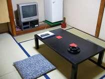 昔なつかしい木造旅館・和室6畳、1泊2食付き